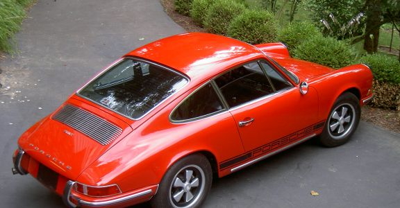 1970 Porsche 911 Coupe perspective