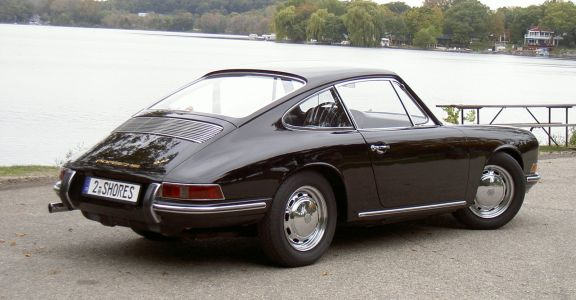 1966 Porsche 911 2.0 Coupe perspective
