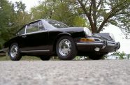 1966 Porsche 911 2.0 Coupe View 2