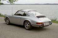 1972 Porsche 911 T  Sunroof Coupe View 6