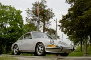 1972 Porsche 911 T  Sunroof Coupe View 8