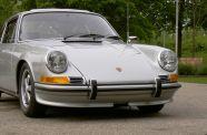 1972 Porsche 911 T  Sunroof Coupe View 5