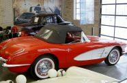 1960 Corvette Roadster View 9