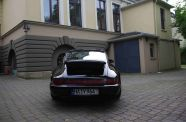 1991 Porsche 911 Carrera 2 Coupe (964)  View 9