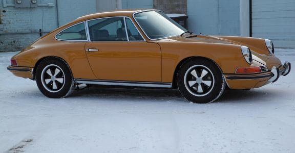 1969 Porsche 911S Coupe perspective