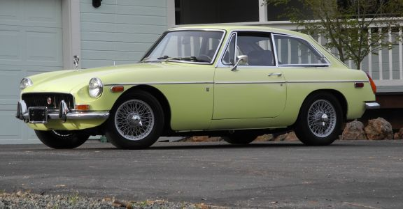 1970 MGB-GT perspective