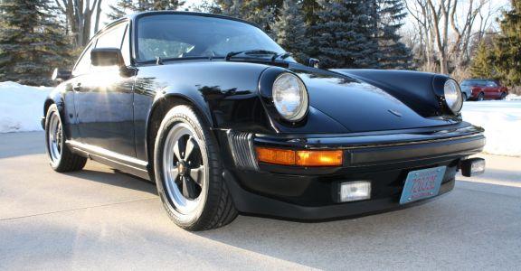 1983 Porsche 911 SC Coupe perspective
