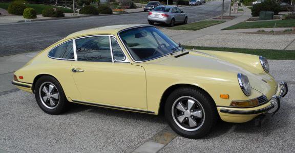 1968 Porsche 911L Sunroof Coupe perspective