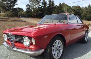 1967 Alfa Romeo Giulia Sprint GT Veloce View 1