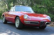 1967 Alfa Romeo Spider 1600 View 4
