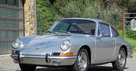 1966 Porsche 911 Sunroof Coupe! perspective