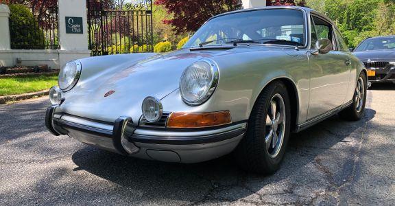 1971 Porsche 911S Coupe perspective