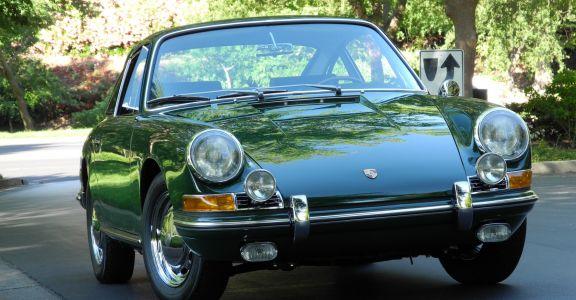1966 Porsche 911 Coupe perspective