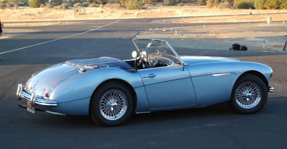 1960 Austin Healey 3000 MK1 perspective