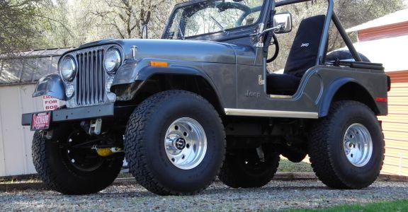 1979 AMC Jeep CJ5 perspective