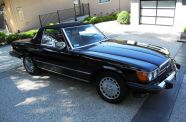 Mercedes Benz 560SL One owner!  View 25