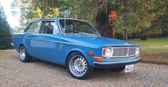 1969 Volvo 142S perspective