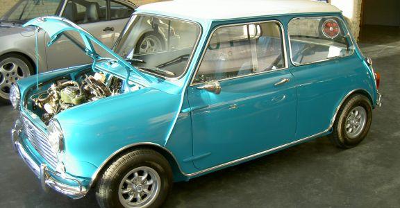 1962 Morris Mini MK1 perspective